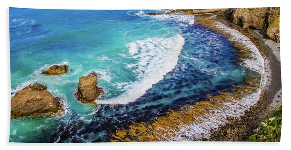 Roaring Bay At Nugget Point Hand Towel