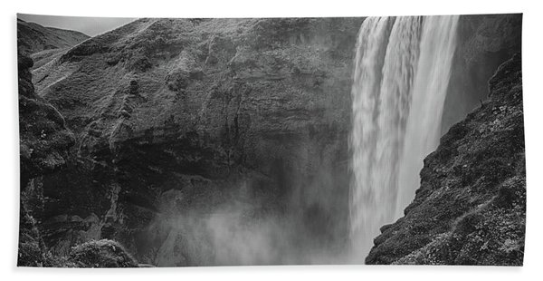 Skogafoss Iceland Black And White Bath Towel