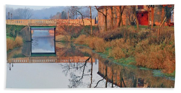 Still Waters On The Canal Bath Towel