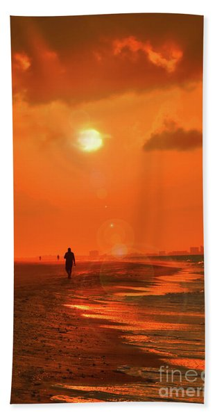 Sunrise Walk On Sanibel Island Bath Towel