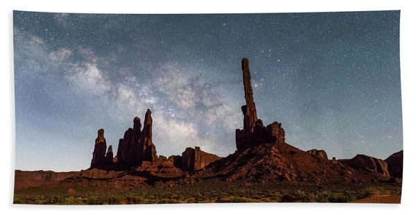 Totem Pole, Yei Bi Che And Milky Way Hand Towel