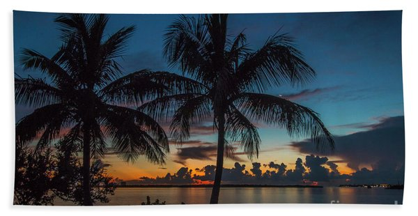 Bath Towel featuring the photograph Twin Palms Sunrise by Tom Claud