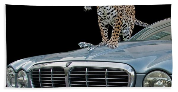 Bath Towel featuring the photograph Two Jaguars 1 by Larry Linton