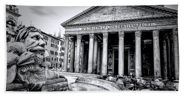 0786 The Pantheon Black And White Beach Towel