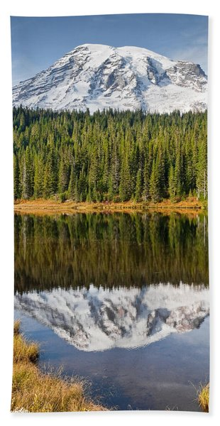 Mount Rainier And Reflection Lakes In The Fall Beach Sheet