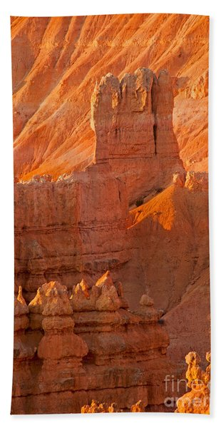 Sunrise At Sunset Point Bryce Canyon National Park Beach Towel
