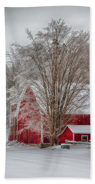 Beach Towel featuring the photograph Red Vermont Barn by Jeff Folger