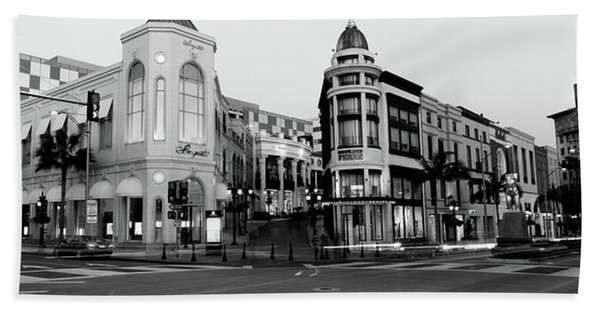 Traffic On The Road, Rodeo Drive Beach Towel
