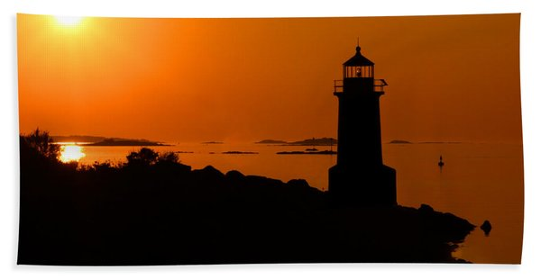 Beach Towel featuring the photograph Winter Island Lighthouse Sunrise by Jemmy Archer