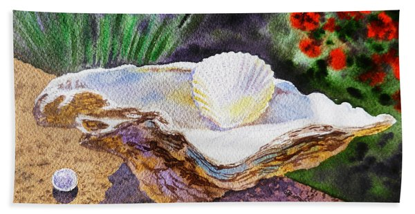 Sea Shell And Pearls Morning Light Beach Towel