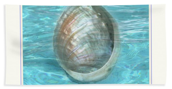 Abalone Underwater Beach Towel
