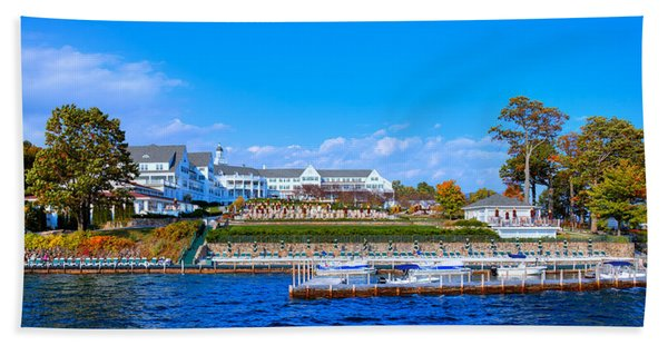 Autumn At The Sagamore Hotel - Lake George New York Beach Sheet