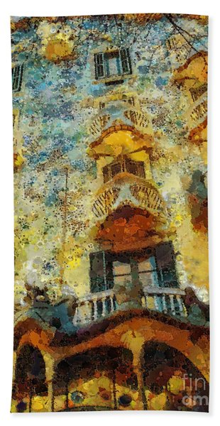 Casa Battlo Beach Towel