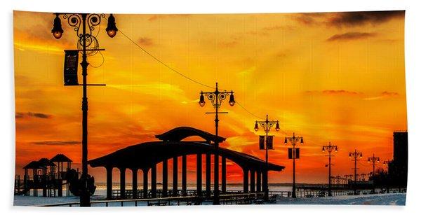 Coney Island Winter Sunset Beach Towel