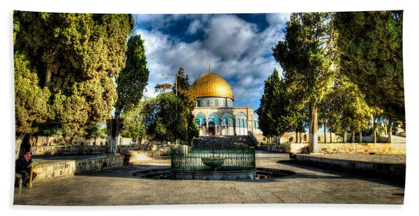 Dome Of The Rock Hdr Beach Towel