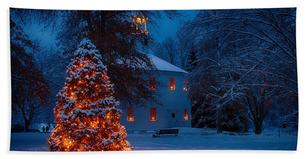 Beach Towel featuring the photograph Christmas At The Richmond Round Church by Jeff Folger