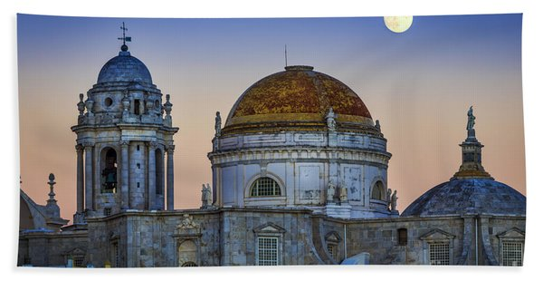 Full Moon Rising Over The Cathedral Cadiz Spain Beach Towel
