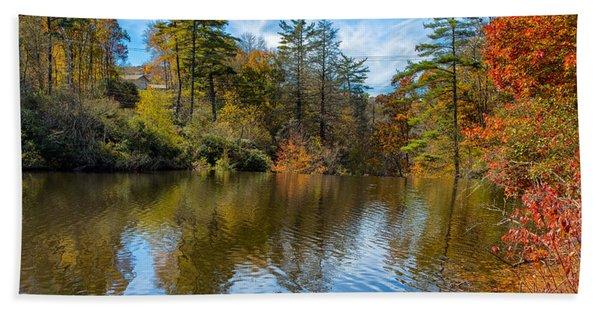 Harris Lake In Autumn Beach Towel