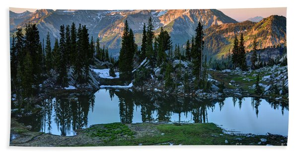Mt. Timpanogos At Sunrise From Silver Glance Lake Beach Towel
