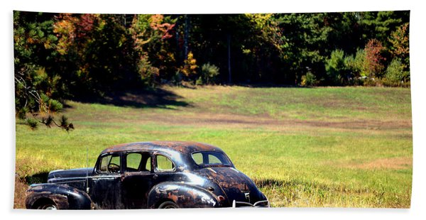 Old Car In A Meadow Beach Towel