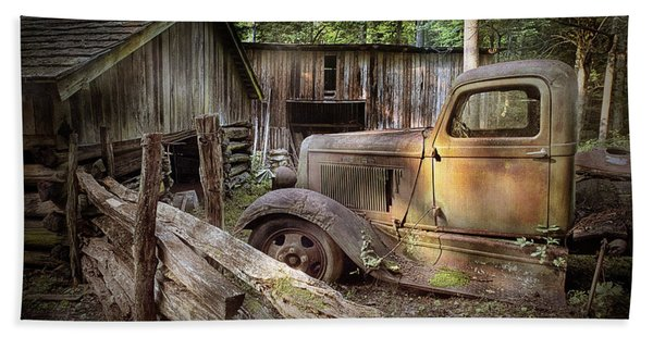 Old Farm Pickup Truck Beach Sheet