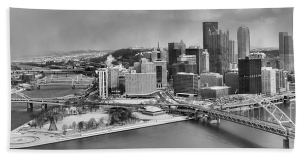 Pittsburgh Black And White Winter Panorama Beach Towel