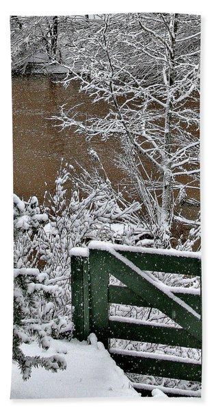 Snowy River Gate Beach Towel