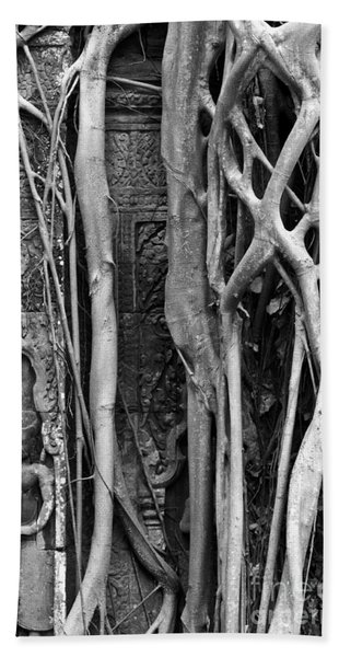 Ta Prohm Roots And Stone 09 Beach Towel