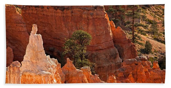 The Popesunrise Point Bryce Canyon National Park Beach Towel