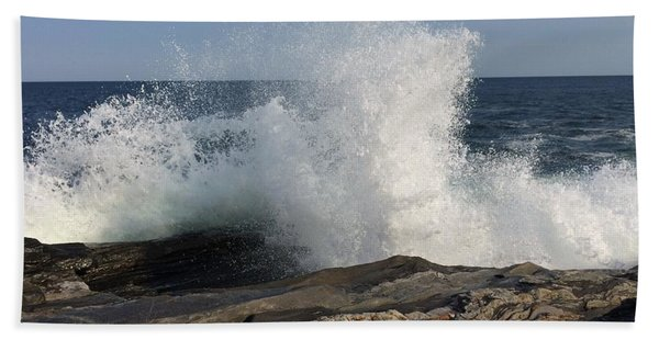 Waves Crashing On Rocky Maine Coast Beach Towel