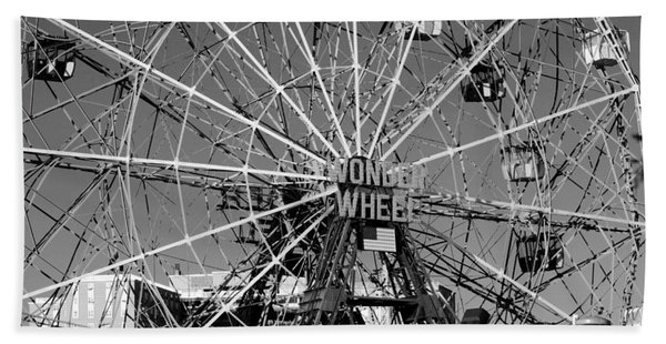 Wonder Wheel Of Coney Island In Black And White Beach Towel