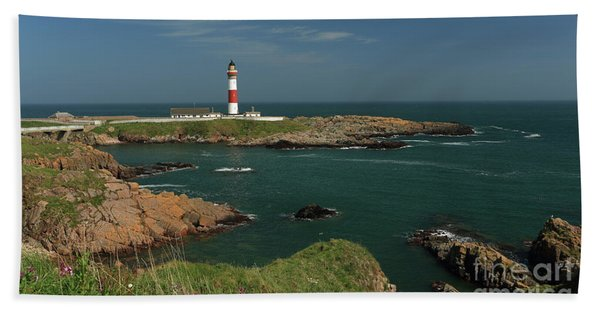 Buchan Ness Lighthouse And The North Sea Beach Sheet