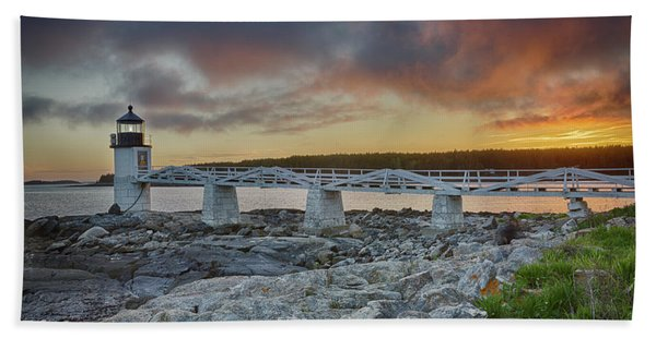 Marshall Point Lighthouse At Sunset, Maine, Usa Beach Towel
