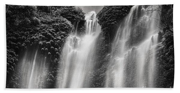 Sekumpul Waterfall Beach Towel