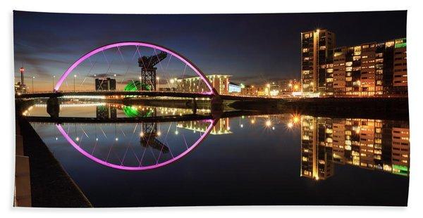 Glasgow Clyde Arc Bridge At Twilight Beach Sheet