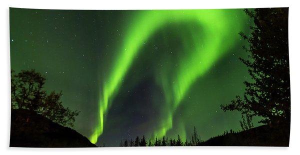 Northern Lights, Aurora Borealis At Kantishna Lodge In Denali National Park Beach Towel