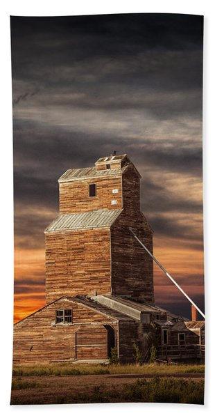 Abandoned Grain Elevator On The Prairie Beach Sheet