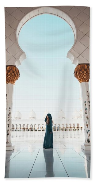 Abu Dhabi Mosque Beach Towel