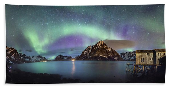 Aurora Above Reinefjord Beach Sheet