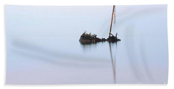 Ayrshire Shipwreck In Sunrise Ref3342 Beach Sheet