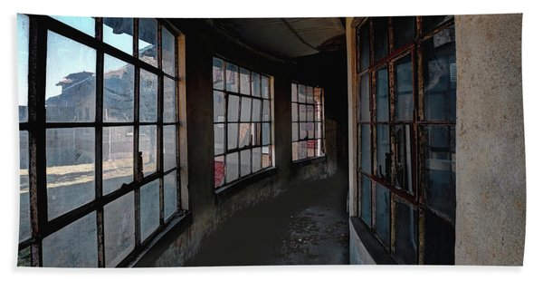 Beach Towel featuring the photograph Curved Hallway by Tom Singleton