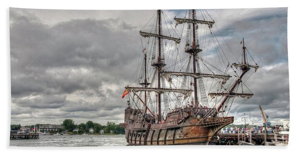El Galeon Andalucia In Portsmouth Beach Sheet