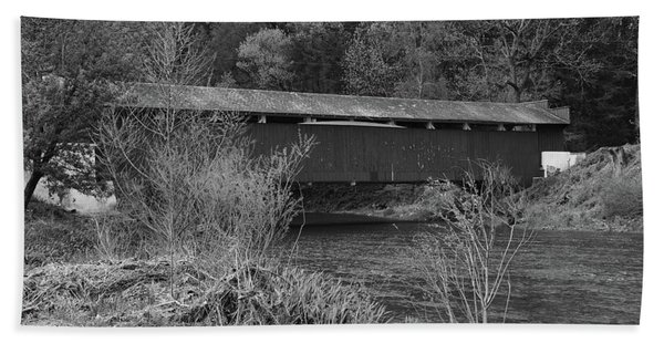 Geiger Covered Bridge B/w Beach Towel