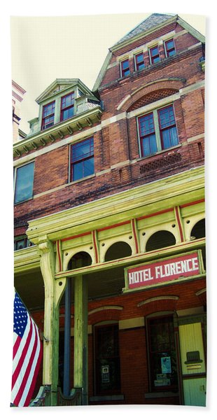 Hotel Florence Pullman National Monument Beach Towel