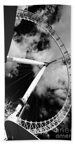 London Ferris Wheel Bw Beach Sheet