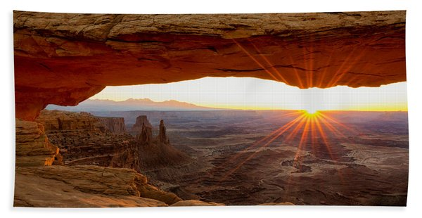 Mesa Arch Sunrise - Canyonlands National Park - Moab Utah Beach Towel