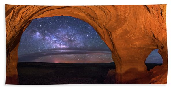 Milky Way At Looking Glass Rock Beach Towel