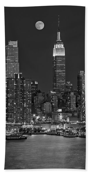 Moonrise Along The Empire State Building Bw  Beach Towel
