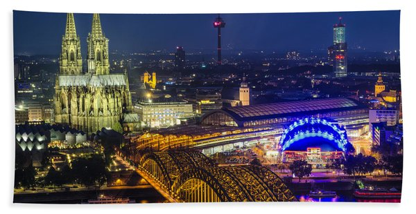 Night Falls Upon Cologne 2 Beach Towel
