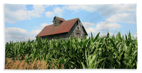 Old Corn Crib Beach Towel